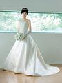 「オルガンザ」のクラシカルドレスで華麗な花嫁に変身!