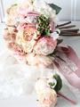 レトロな色合いがロマンティック♡アンティークな雰囲気が魅力のブーケ