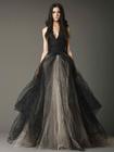 登場した瞬間ゲストが「わっ」と驚く! あなたの印象を180°変える大人花嫁のためのグレー&ブラックドレス